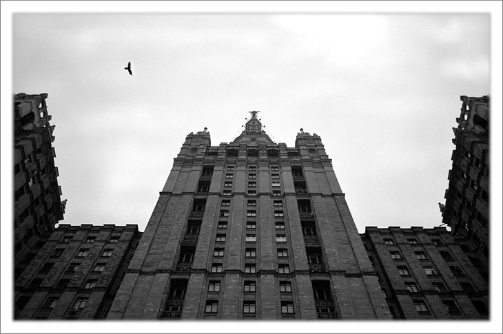 "photo ""Two Birds: Imperial Eagle and Free Crow"" tags: genre, architecture, landscape,"