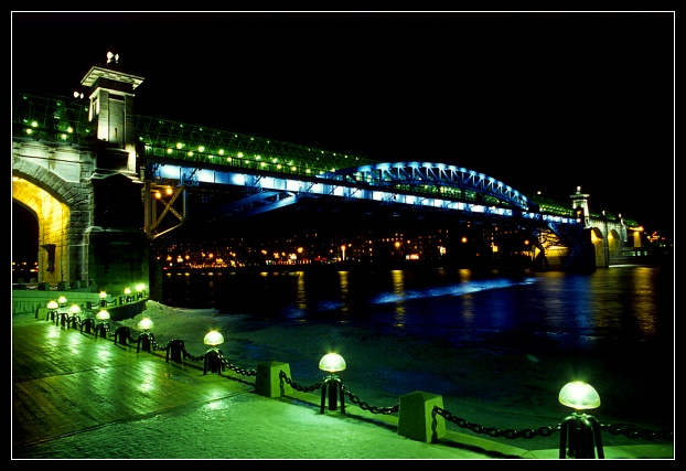 "photo ""Pushkinskiy bridge (night)"" tags: architecture, landscape, night"