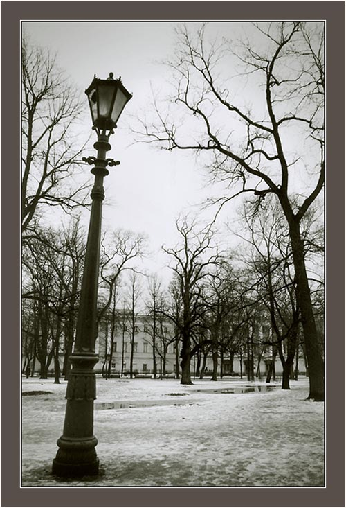 "photo ""Picture with a street lamp"" tags: architecture, landscape,"