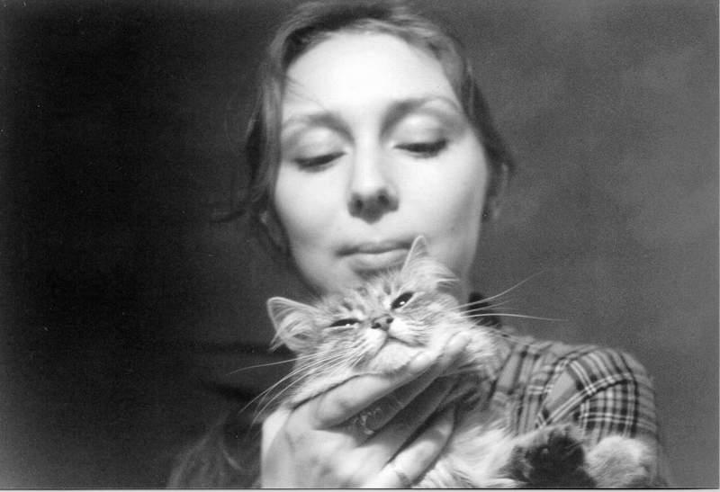"""фото """"Алена с кошкой"""" метки: портрет, природа, домашние животные, женщина"""