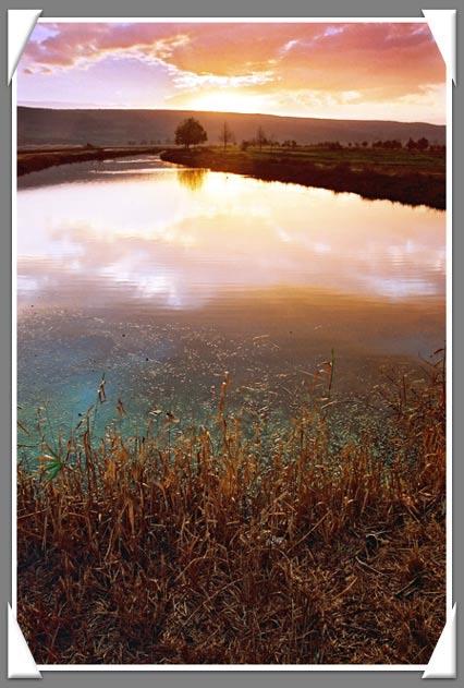 """photo """"Untitled photo"""" tags: landscape, sunset"""