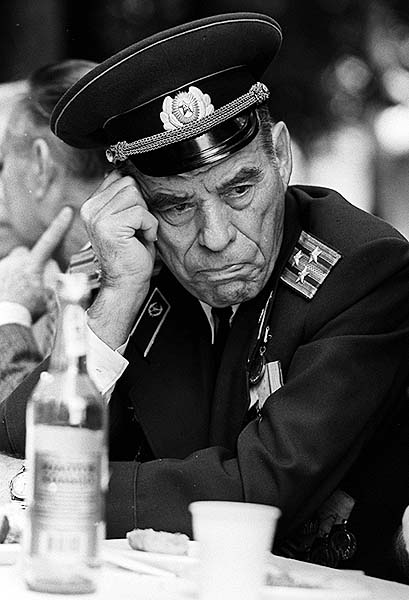 "photo ""The veteran"" tags: portrait, reporting, man"