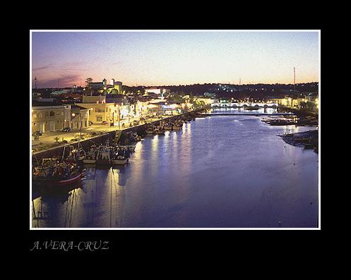 "фото ""Tavira, its fish Harbour and the Gilao River"" метки: архитектура, пейзаж, ночь"