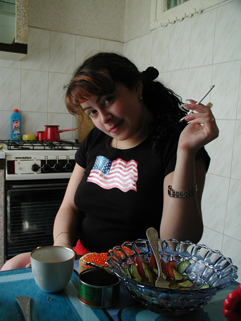 "фото ""Поздний завтрак..."" метки: жанр, портрет, женщина"