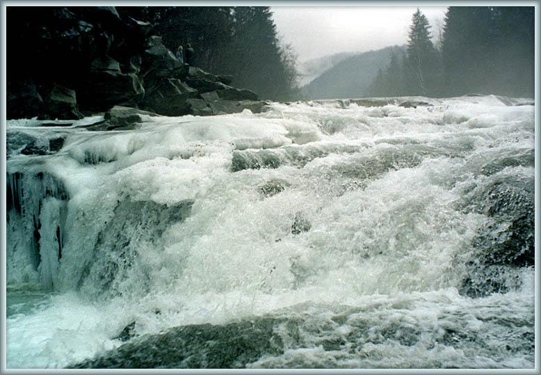 """фото """"Весенние воды на Яремчанском водопаде"""" метки: пейзаж, весна, вода"""