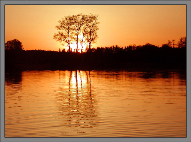 "photo ""Golden"" tags: landscape, sunset, water"