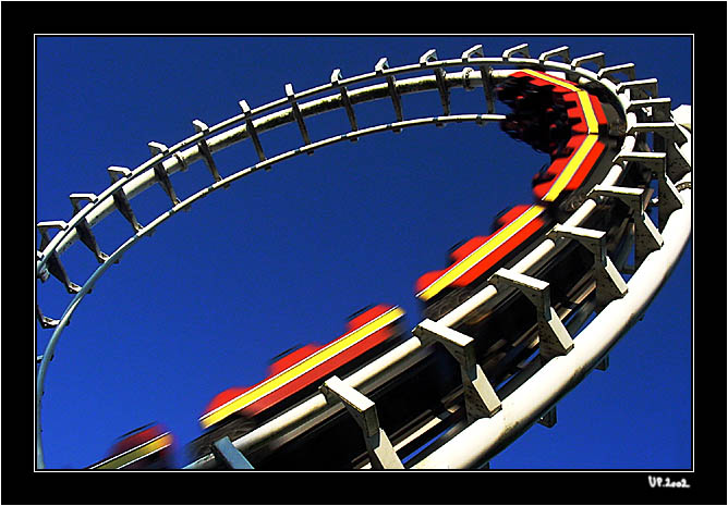 "photo ""Loop"" tags: genre,"