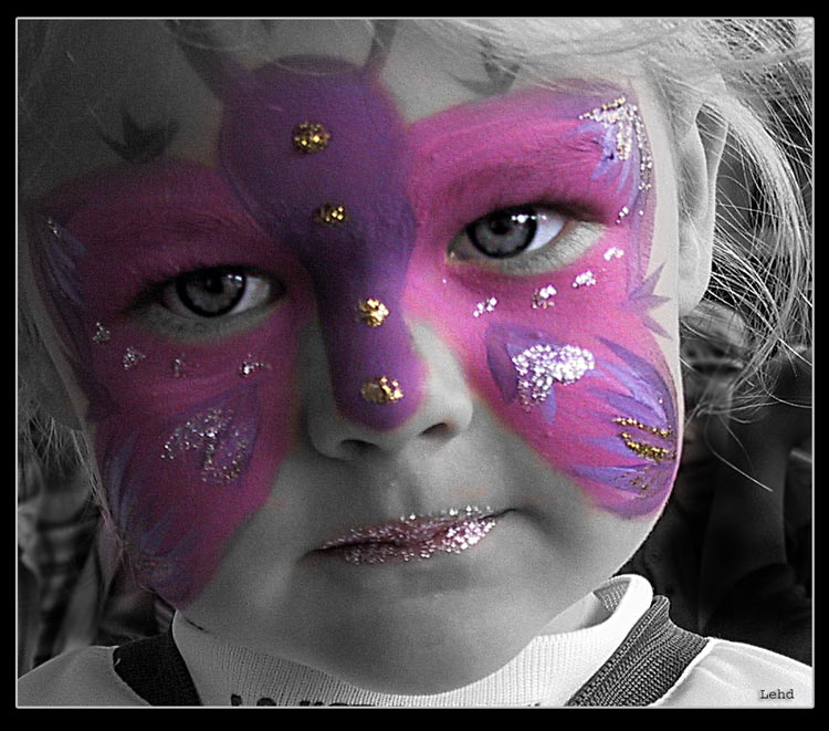 "photo ""panited girl"" tags: portrait, misc., children"
