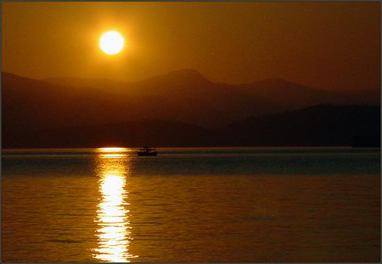 """фото """"На закате"""" метки: пейзаж, вода, закат"""