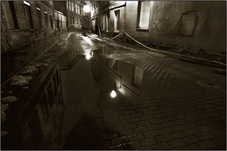"фото ""Vilnius Gateways #1"" метки: архитектура, пейзаж, ночь"