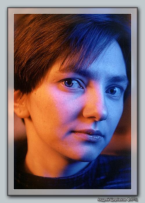 "photo ""Game with lights"" tags: portrait, woman"