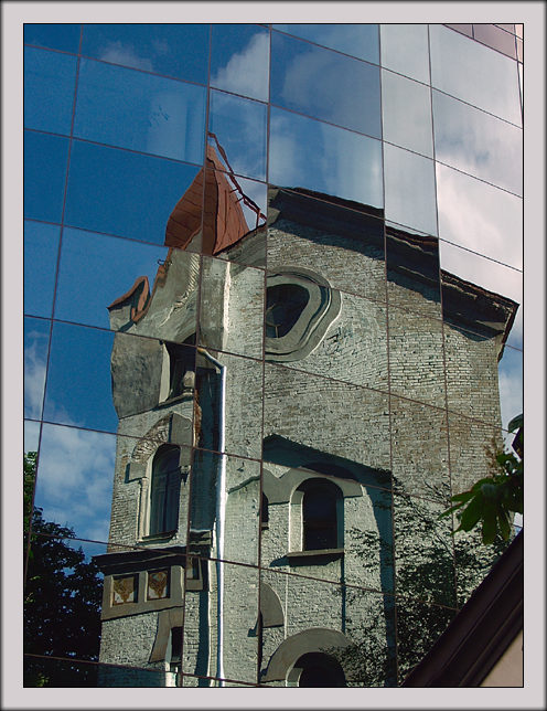 "photo ""Reflection"" tags: architecture, travel, landscape, Europe"
