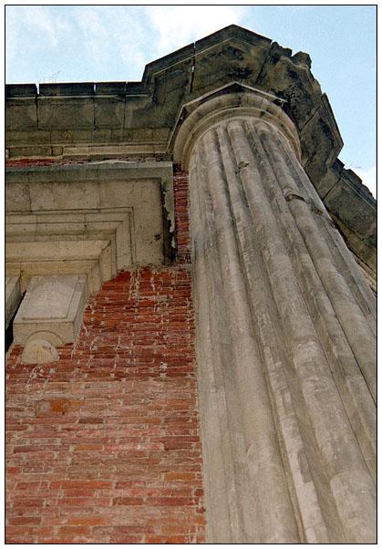"фото ""колонна (зарисовки из Царицыно)"" метки: архитектура, пейзаж, облака"