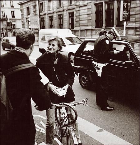 "photo """"Streetlife Paris"""" tags: travel, reporting, Europe"