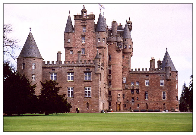 "photo ""Glamis Castle"" tags: architecture, travel, landscape, Europe"