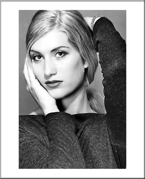 "фото ""In my own world"" метки: портрет, женщина"