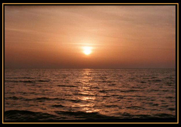 "photo ""GOLDEN SADNESS"" tags: landscape, sunset, water"