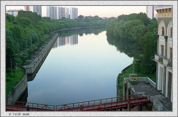 """photo """"My Moscow in the Evening"""" tags: architecture, landscape, water"""