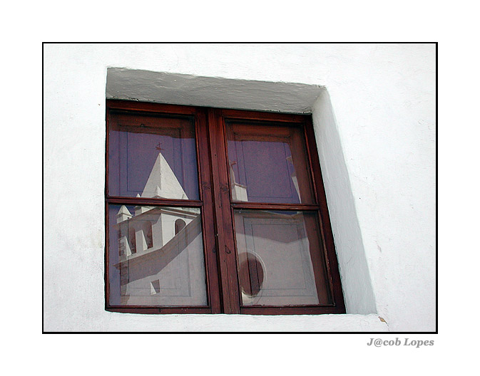 "photo ""window frame"" tags: architecture, landscape,"
