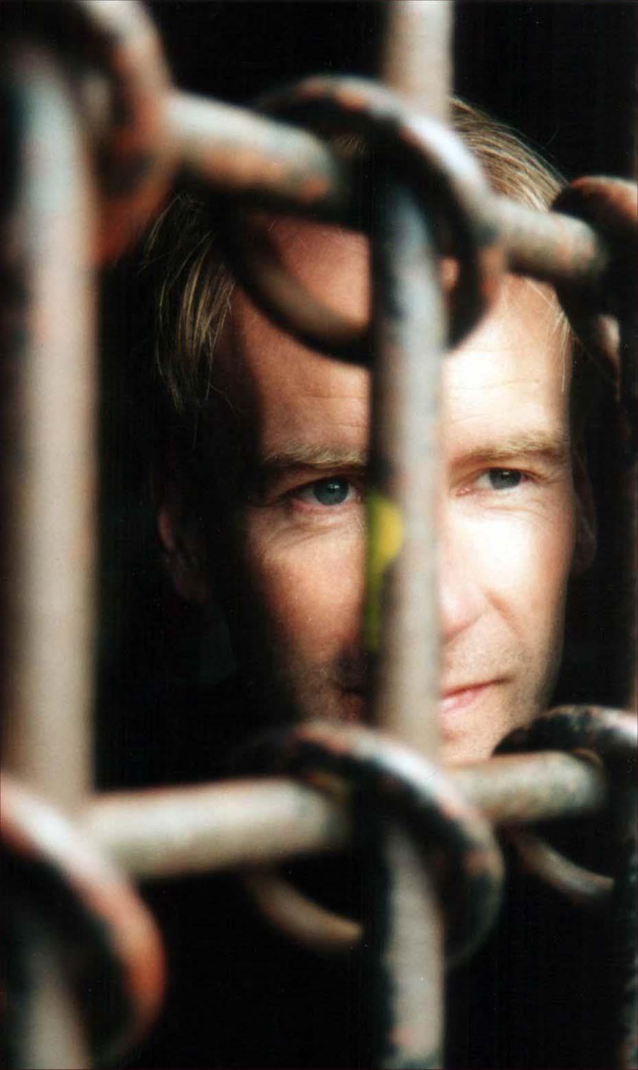 """фото """"Behind bars..."""" метки: портрет, мужчина"""