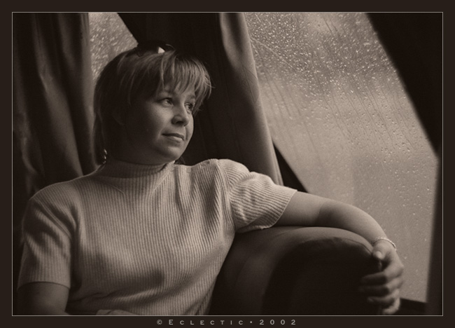 "photo ""Rain"" tags: portrait, woman"