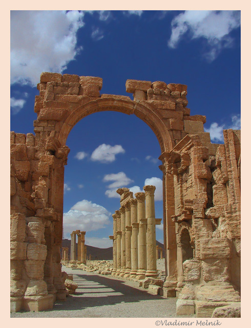 "photo ""Palmyra gate..."" tags: travel, architecture, landscape, Asia"