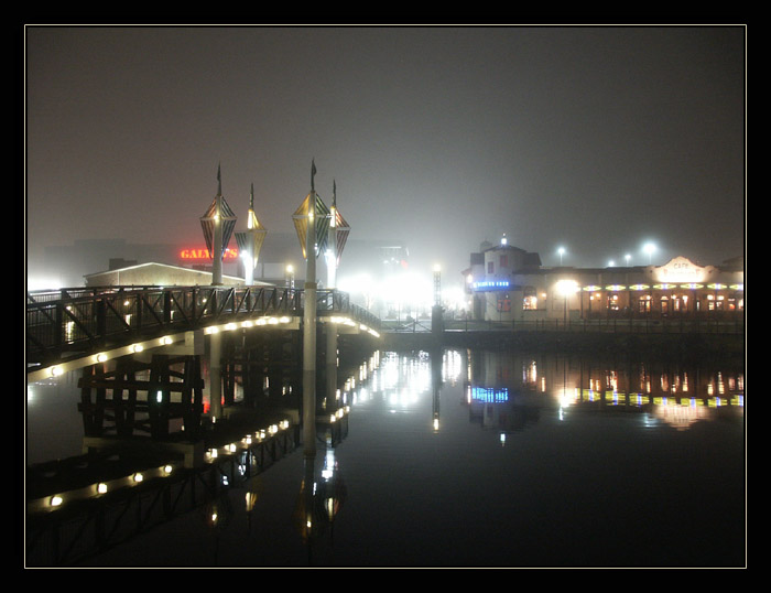 "photo ""Fog"" tags: landscape, architecture, night"