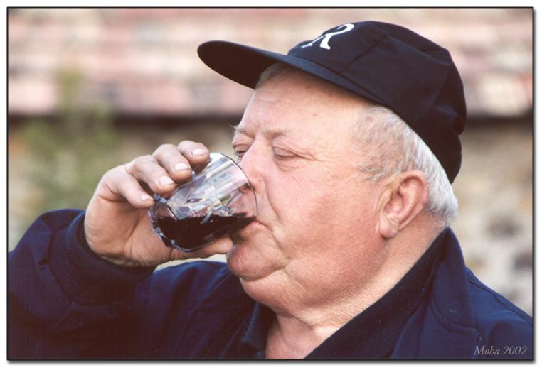 """фото """"A Glas of Wine"""" метки: портрет, мужчина"""