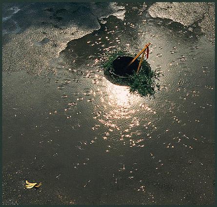 "фото ""Дождь и солнце."" метки: абстракция, архитектура, пейзаж,"
