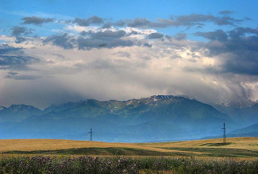 "photo ""Alatau"" tags: landscape, clouds, mountains"