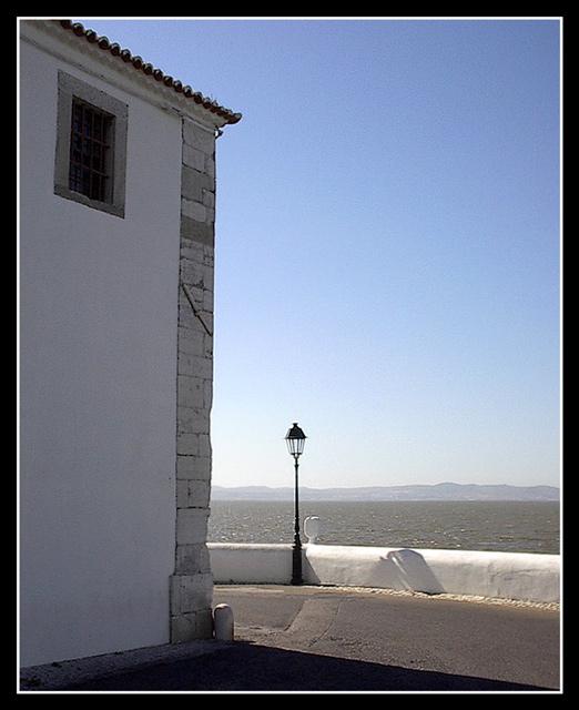 "photo ""Wide corner"" tags: architecture, landscape, water"