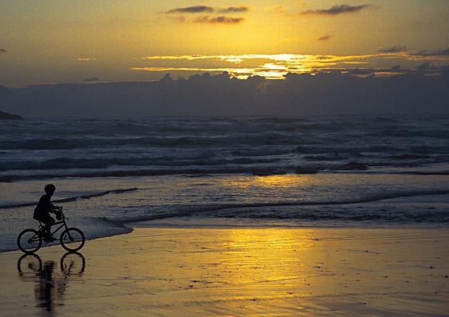 """фото """"Riding into the afterglow"""" метки: разное, пейзаж, вода"""