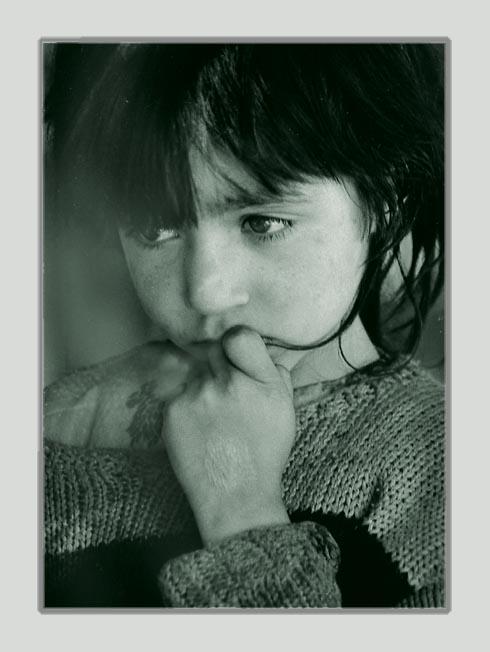 """photo """"(~~~)"""" tags: portrait, children"""