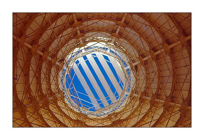 """фото """"Searching the sky..."""" метки: путешествия, абстракция, Европа"""