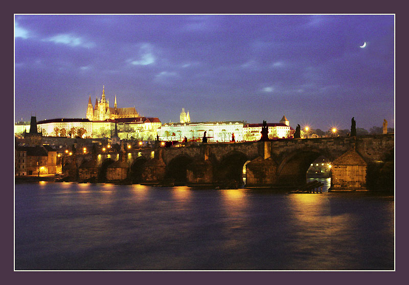 "photo ""Prague at night"" tags: architecture, landscape,"