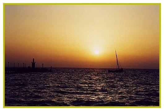 "photo ""Ate ao Fim do Mundo...Ate te encontrar"" tags: landscape, sunset, water"