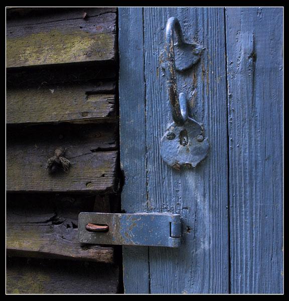 """photo """"Blue door"""" tags: still life, misc.,"""