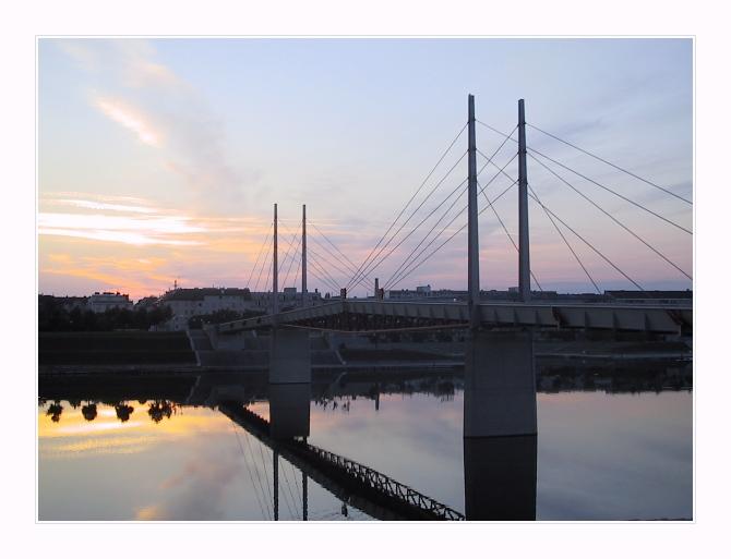 """photo """"5 a.m."""" tags: architecture, landscape,"""