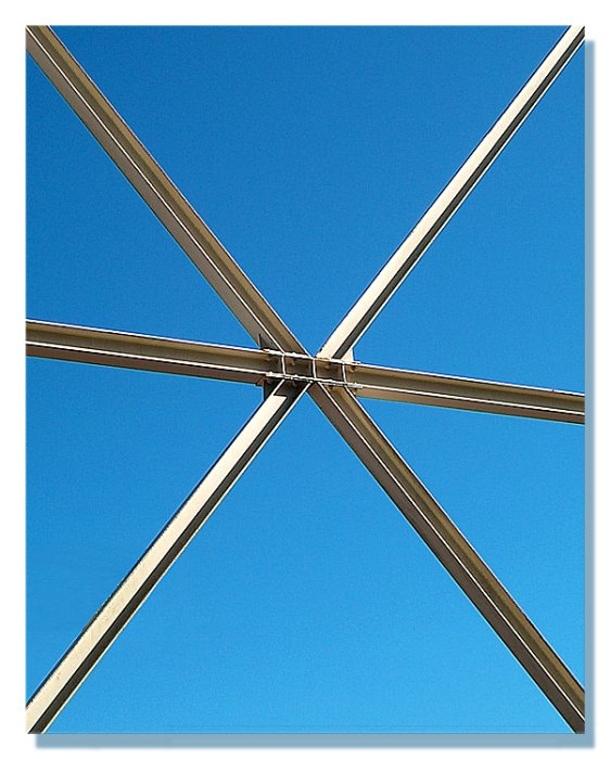 "photo ""Supporting the edges of the picture / Sustentando"" tags: architecture, landscape,"