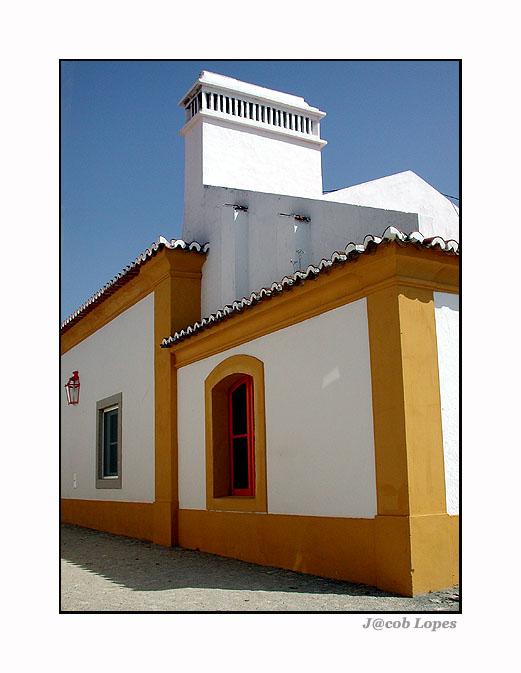 "фото ""white&orange"" метки: архитектура, пейзаж, горы"