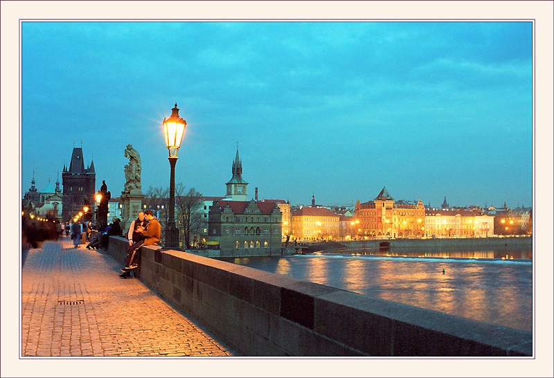"photo ""Charles Bridge at night."" tags: architecture, landscape,"