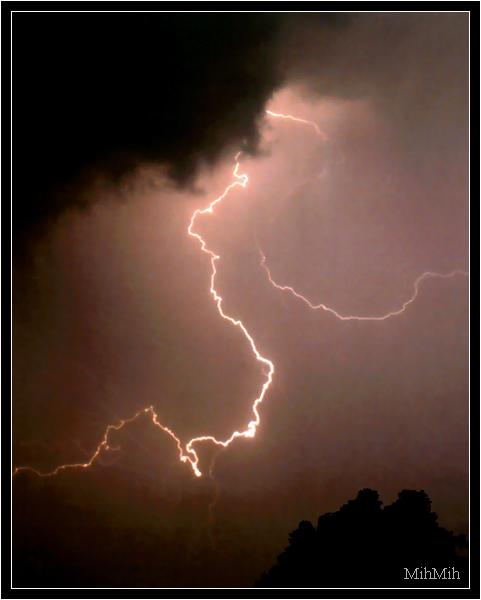 """фото """"Первая вспышка"""" метки: пейзаж, природа, ночь"""