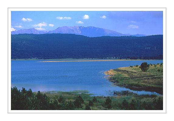 """фото """"Pyrenees lake"""" метки: пейзаж, вода, горы"""