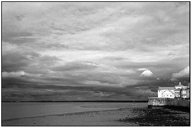 """фото """"Grey Days By the River"""" метки: пейзаж, осень"""