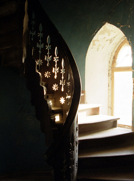 "фото ""Солнечная лестница в старом замке"" метки: путешествия, Европа"