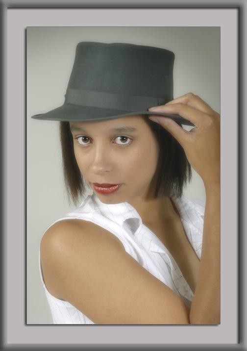"""фото """"Afra with hat"""" метки: гламур, портрет, женщина"""
