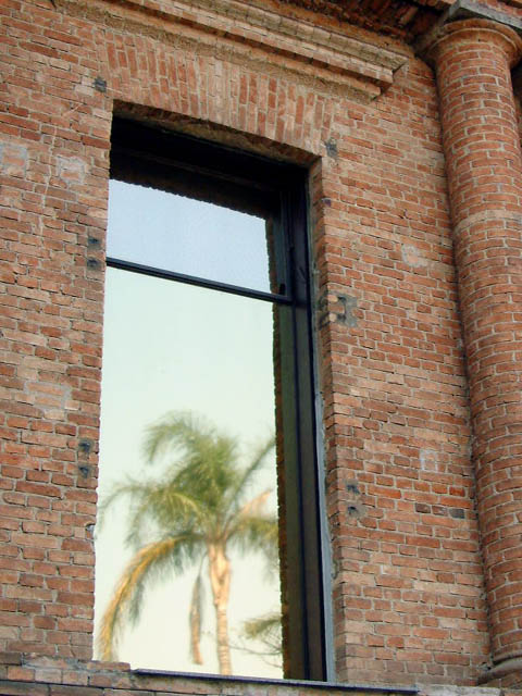 "фото ""Window"" метки: архитектура, пейзаж,"
