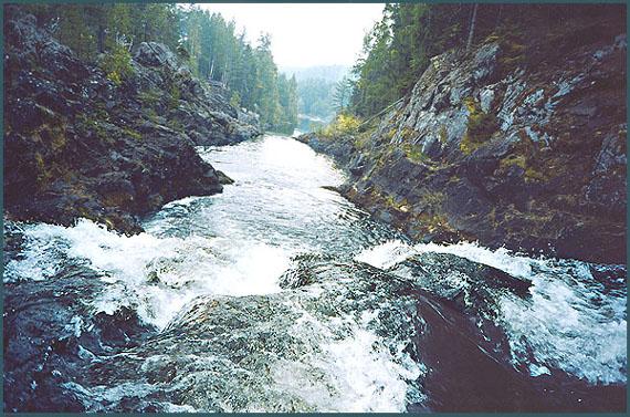 "фото ""В водопаде. Карелия (Кивач)"" метки: путешествия, пейзаж, вода"