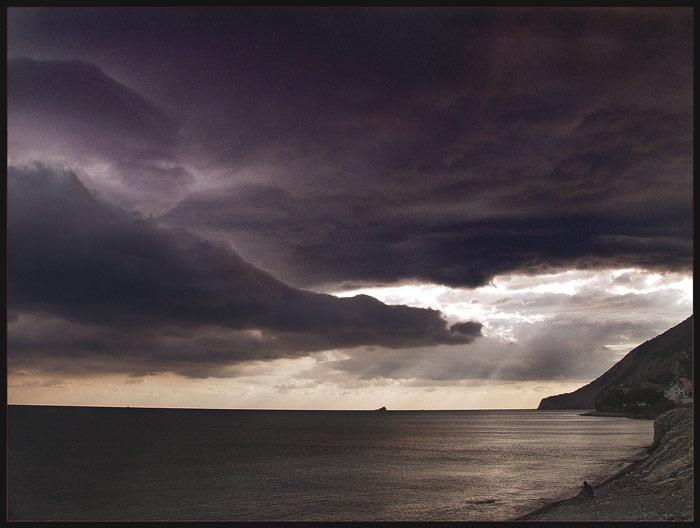 """фото """"Умывающийся солцем"""" метки: пейзаж, вода, облака"""