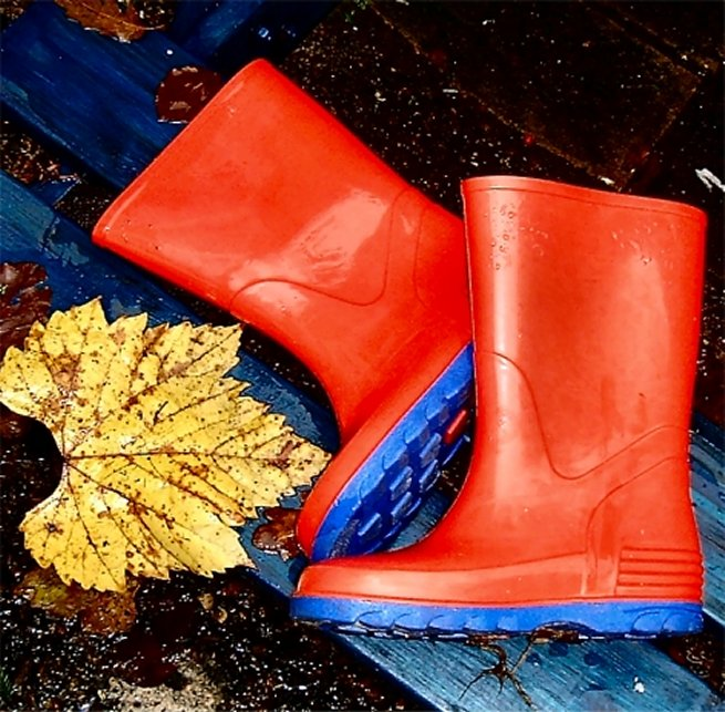 "photo ""red wellies"" tags: still life,"